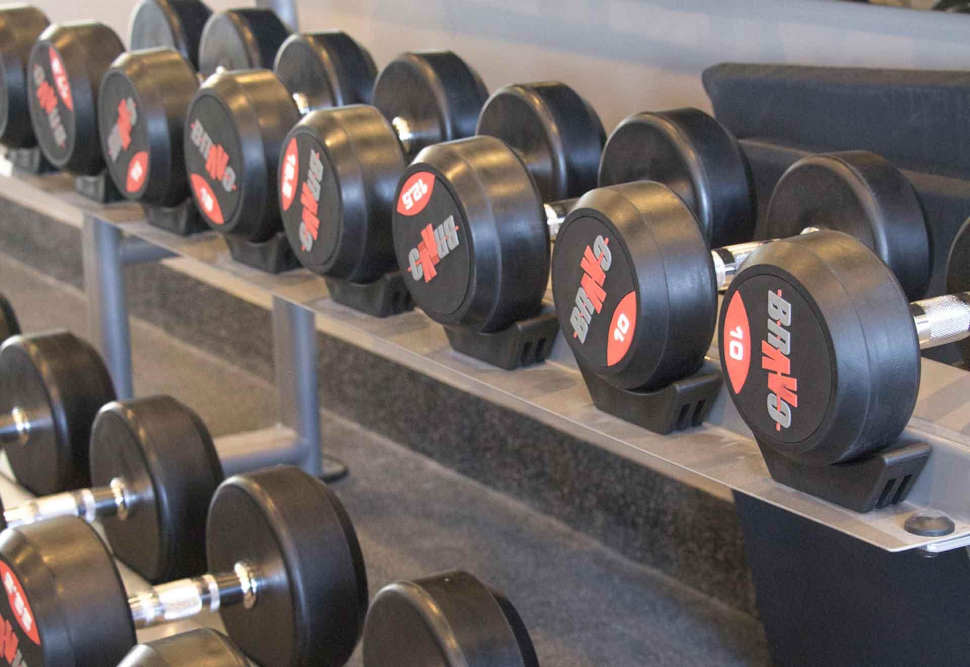 Rutinas de entrenamiento para hacer en los gimnasios de los hoteles