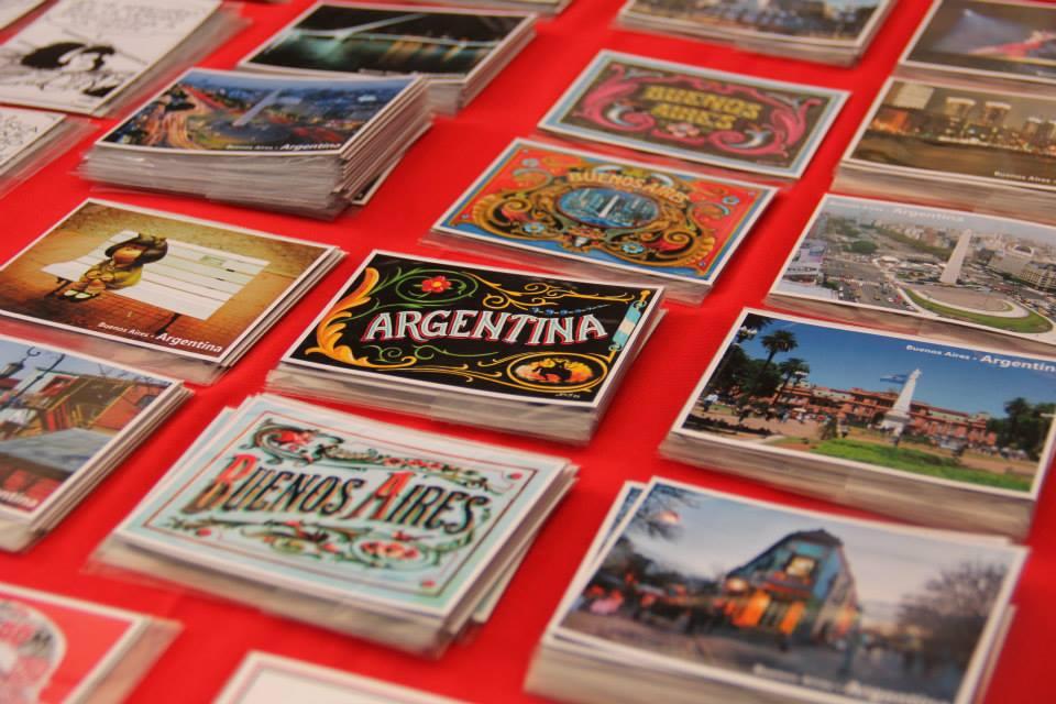De compras por la Feria de Antigüedades en San Telmo